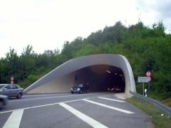 Saukopftunnel bleibt bis Montag früh zu